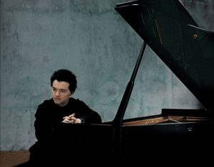 Evgeny Kissin plays Rachmaninov and Beethoven's Hammerklavier